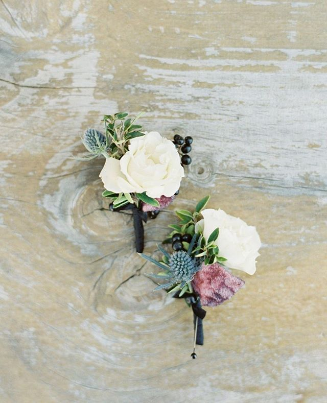 Are boutonnieres necessary? Maybe not. But they sure are cute, and they make the men folk feel special. Also, it gives them an excuse to tease me about accidentally stabbing them with the pins when I put them on 😉 . . . Photography: @kelseaholderphoto Venue: @oysterridge Florist: @adornments_flowers Hair & Makeup: @thequeensbees Paper & Calligraphy: @bow.and.arrow.design Ceremony Music: Candlelight Strings Rentals: @centralcoasttentandparty Dessert: Christina Bonnett @cbbakeshop Bartending: @copperandcrystal DJ: Joe LaBarbera @joeslodj Catering: @misturacatering Video: @romanhowellfilms Lounge: @scout_rental_co Transportation: @slosaferide Photo Booth: @the_photobooth_experience . . . #groom #weddingflowers #wedding #weddinginspiration #weddingplanner #groomstyle #groomsmen #boutonniere