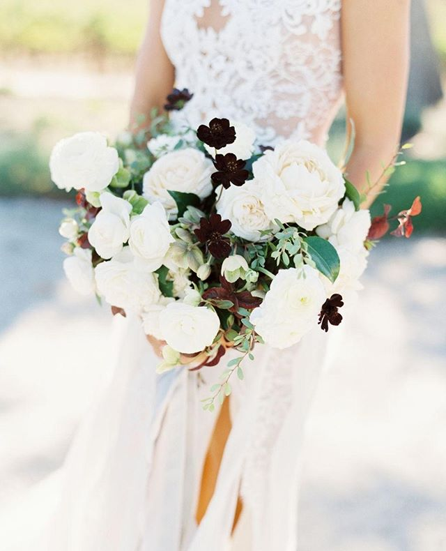 A beautiful fall bouquet by @adornments_flowers 🥀 ... Photography: @kelseaholderphoto Venue: @oysterridge Florist: @adornments_flowers Hair & Makeup: @thequeensbees Paper & Calligraphy: @bow.and.arrow.design Ceremony Music: Candlelight Strings Rentals: @centralcoasttentandparty Dessert: Christina Bonnett @cbbakeshop Bartending: @copperandcrystal DJ: Joe LaBarbera @joeslodj Catering: @misturacatering Video: @romanhowellfilms Lounge: @scout_rental_co Transportation: @slosaferide Photo Booth: @the_photobooth_experience . . . #bridalbouquet #weddingflowers #fallbouquet #weddingplanner