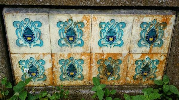 Belgium tiles from Gilliot & Cie (1896 - 1920).