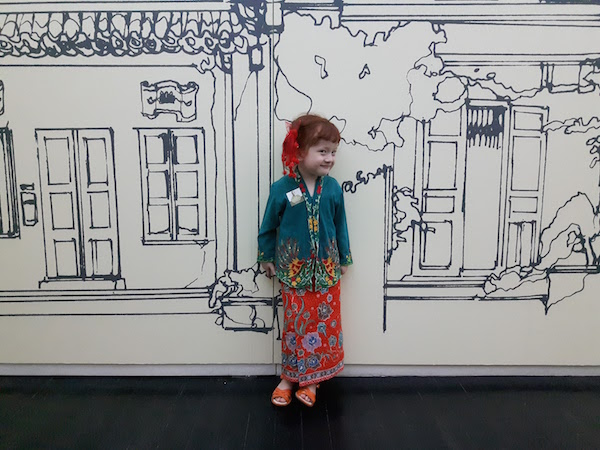 I found this red-haired Nyonya at The Peranakan Museum dressed in Sarong Kebaya!