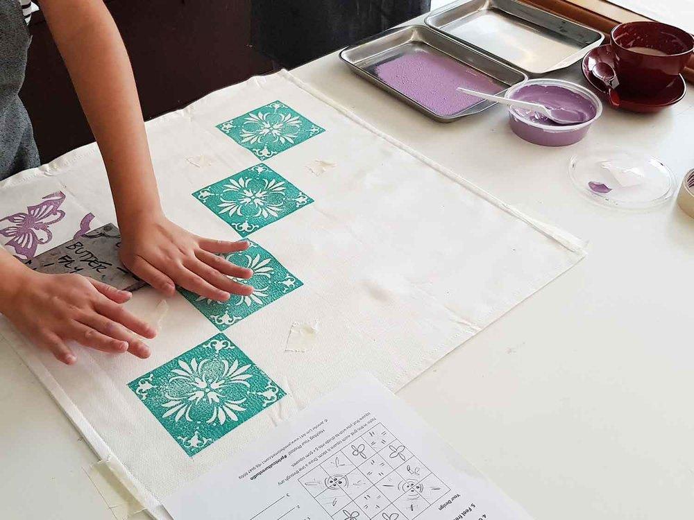 ws-jennifer-lim-art-singapore-peranakan-workshop-180303-pc-cushion-01.jpg