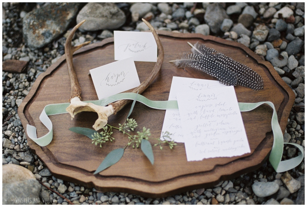 Rustic wedding stationary | Calligraphy by La Happy | Whiskers and Willow Photography