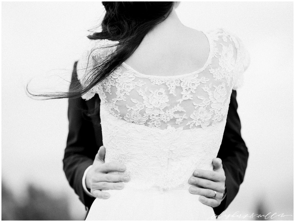 Classic lace bridal gown | San Diego fine art wedding photography | Carmel Mountain Ranch Country Club Wedding | Whiskers and Willow Photography