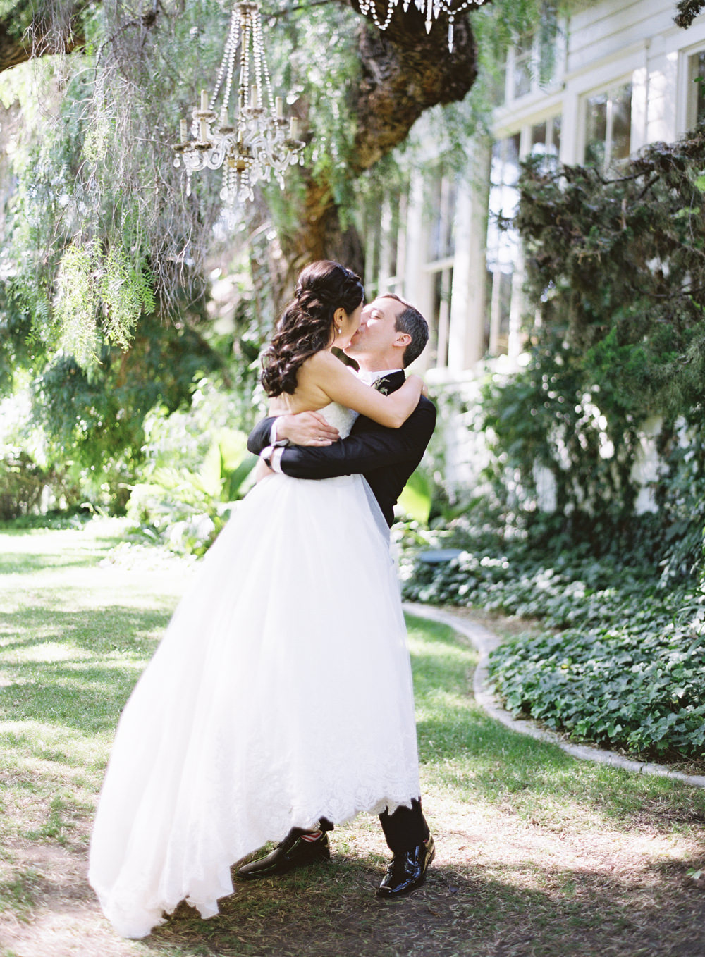 RomanticGardenWedding_WhiskersandWillow_046.jpg