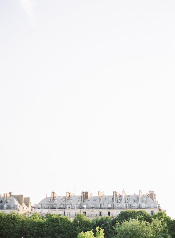 Paris Engagement photos | Paris engagement session | Paris wedding photographer | Paris film photographer | France wedding photographer | France film photographer | Whiskers and Willow Photography