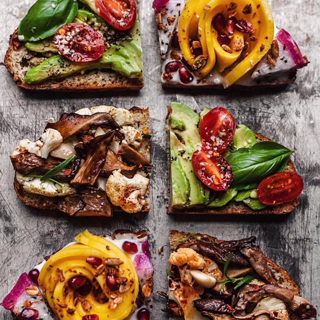Mmm which one of these would you choose? 🤔😛😋 (I'm always going for mushroom anything but that's me 🤷🏻‍♀️) . #Repost @hannah__chia with @get_repost ・・・ toast party! all on seeded sourdough 1 - avocado, cracked black pepper + himalayan salt, hemp seeds, grape tomato, fresh basil 2 - mango, dragonfruit, pomegranate seeds, coconut yogurt, homemade granola 3 - hummus, roasted oyster mushroom and cauliflower, pine nuts, rosemary, crushed red pepper 📸//@hannah_chia
