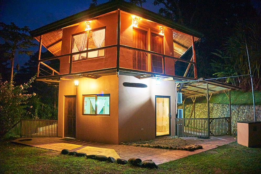 manoas-luxury-villas-casa-heliconia-4.jpg
