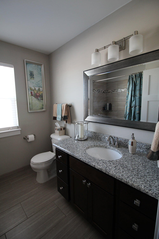 5603 Mesa_Main Bath.1.JPG