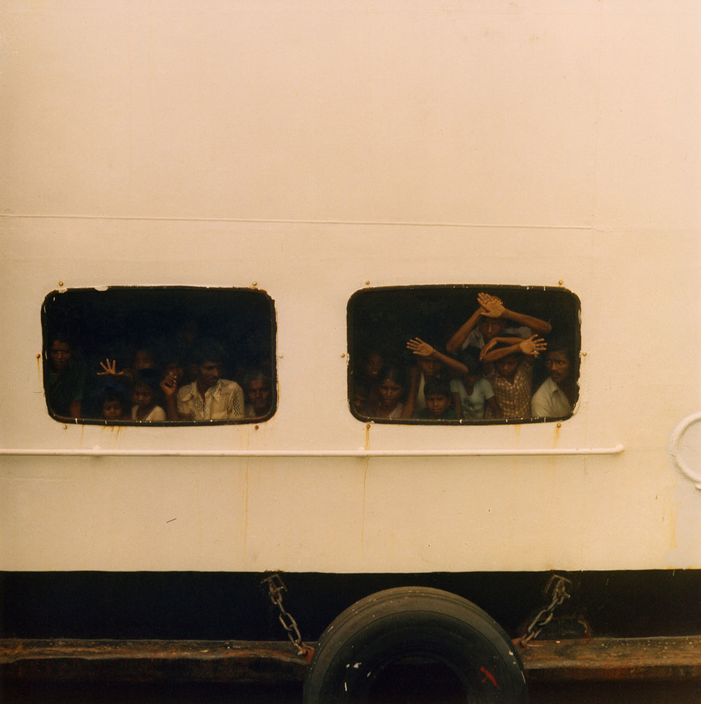 7-Refugees-returning-by-boat-from-India-to-Tallaimannar-1989-007.jpg