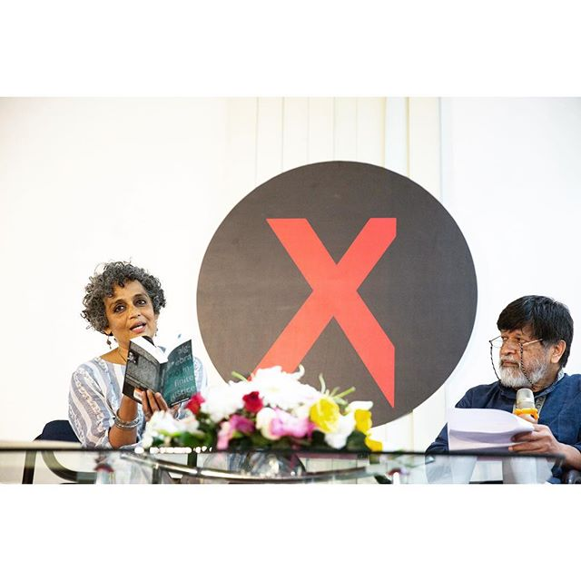 Resisting the obstacles laid in out way we had a beautiful and convincing evening with @arundhati_roy_official_ig and @shahidul001 #resist #chobimela #cmx Photos by @toukirahmedtanvee and @sebiberensphoto