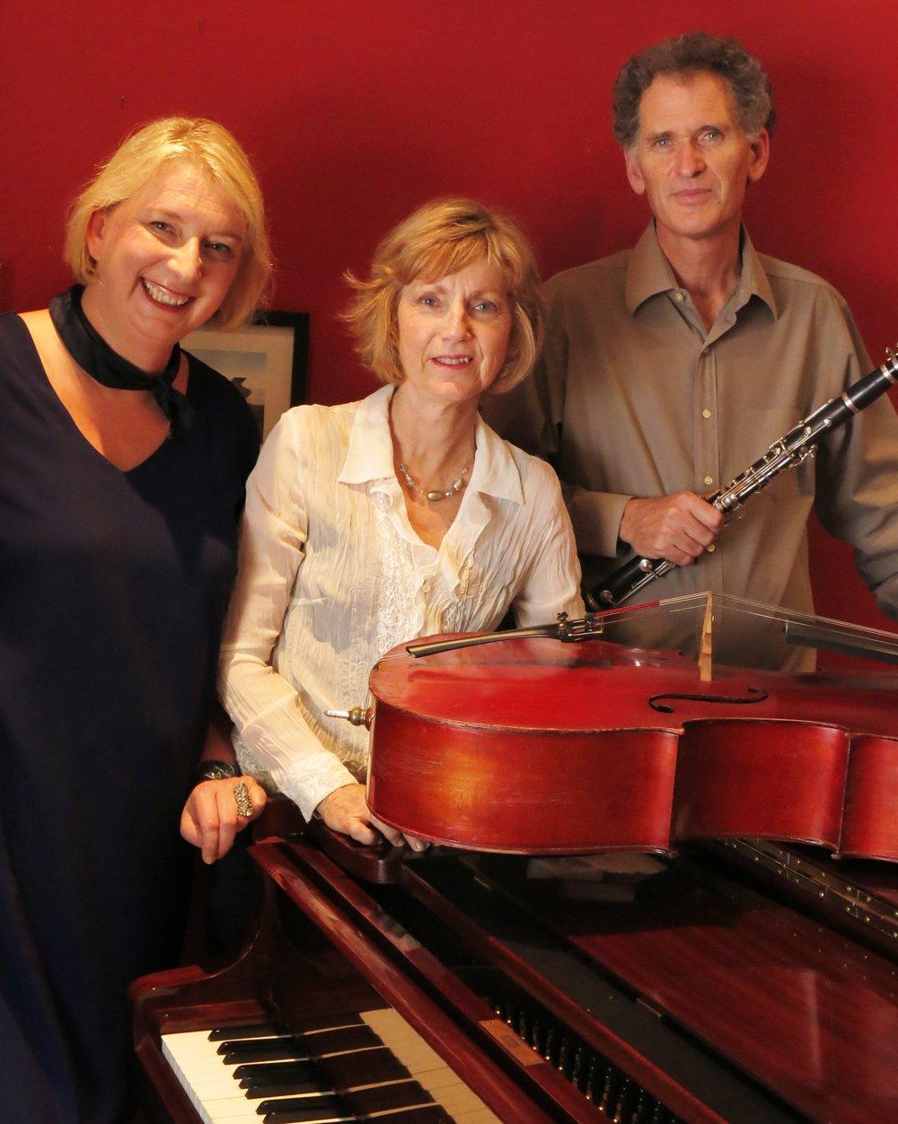 Trio D.JPG