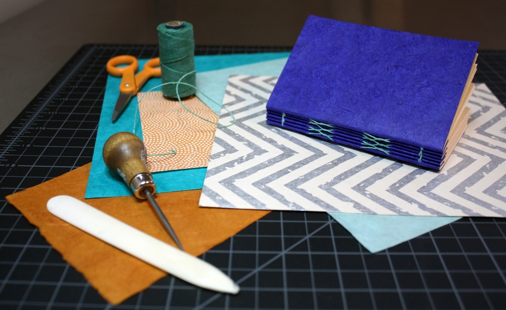 French link stitch bookbinding workshop in Nashville, Tennessee taught by Katie Gonzalez.