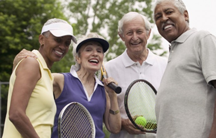 Seniors-tennis3-700x450.jpg