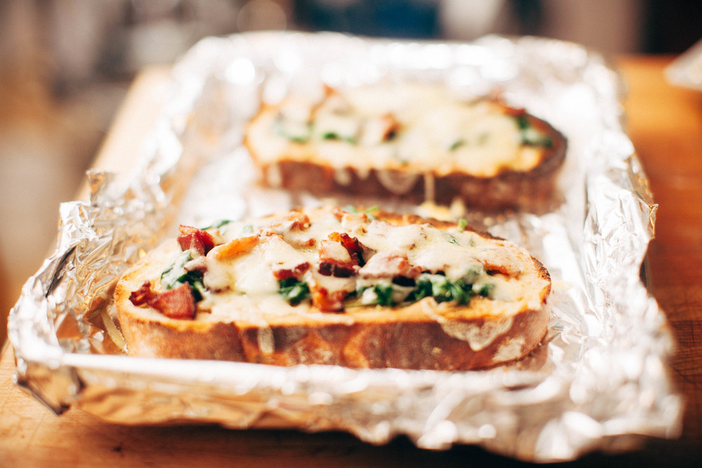 Spinach and bacon tartine