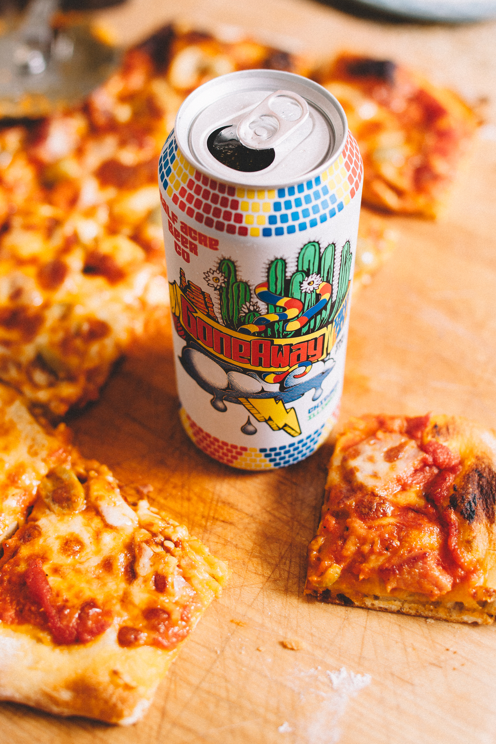 And now it's official, the last of our beer from Chicago (and some delicious homemade pizza).