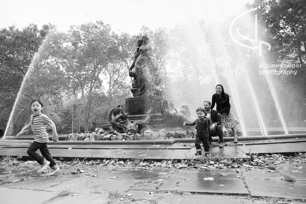 Fountain family photo grand army plaza