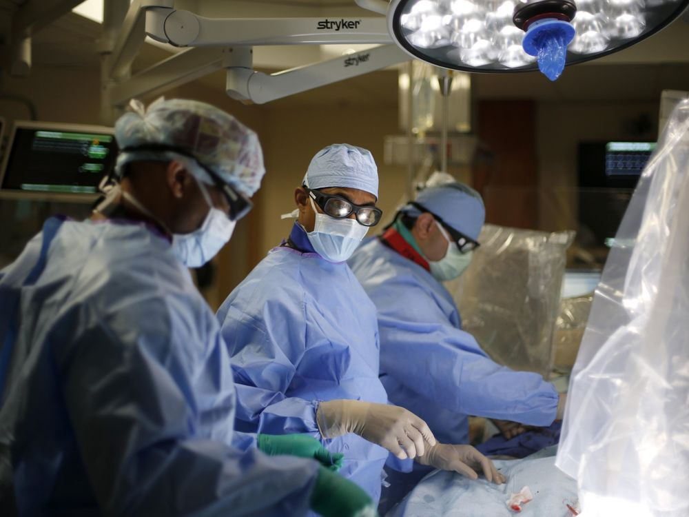 Drs. Batchelor and Khairallah perform a new heart procedure called WATCHMAN.
