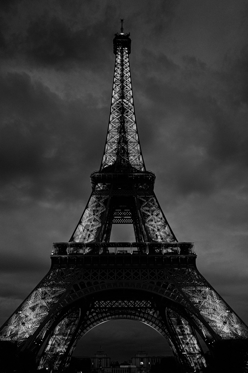 paris-tour-d'eiffel-tower-william-bichara-photographer-studies-personal-work-17.jpg