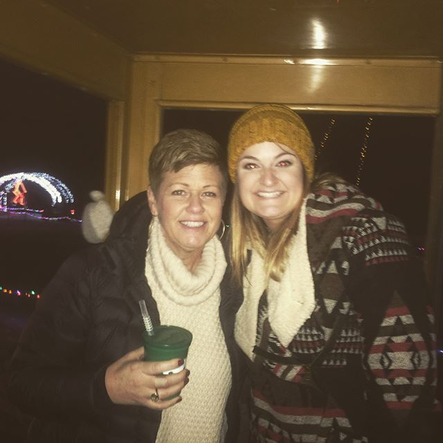 Grand Rapids 12.17.17 #christmas #merrychristmas #byobholidaylightstrolley #eventswithbenefitz #holidays #christmasfun #christmasseason #santa #joy #happiness #christmas2017 #grandrapids