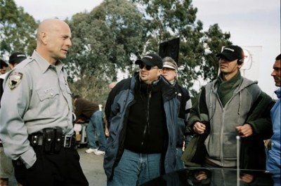 Doug Richardson (middle) on set