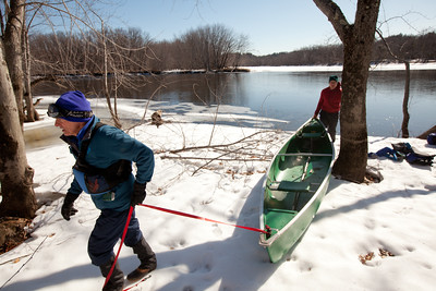Jay Atkinson and Chris Pierce during their Merrimack River expedition.  Photo credit:  Erik Jacobs, The New York Times