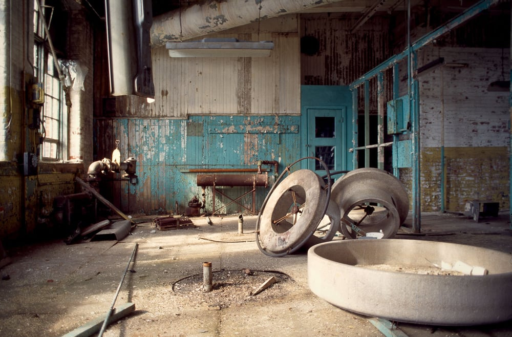 Wash basins near the silver work benches. Summer 1997.