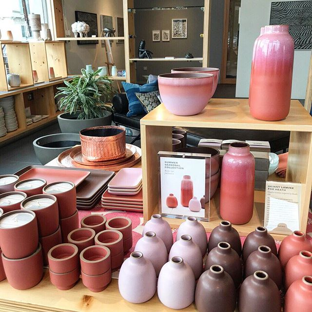 Love these summer shades @heathceramics. That multi ombré glaze is 👌🏻 ⠀⠀⠀⠀⠀⠀⠀⠀⠀ #shadesofpink #shadesofpurple #pinks #purples #pottery #vases  #potteryglaze #ombre #pinkombre #foliage #claypot #designinspo #designing #designlove #interiorstyling #homeinspirations #inspiredbythis #colorpalette #homeaccents #ihavethisthingwithcolor #eclectichome #whimsy #terracotta #earthy #bohodecor #accents #homeaccessories #homedecorating