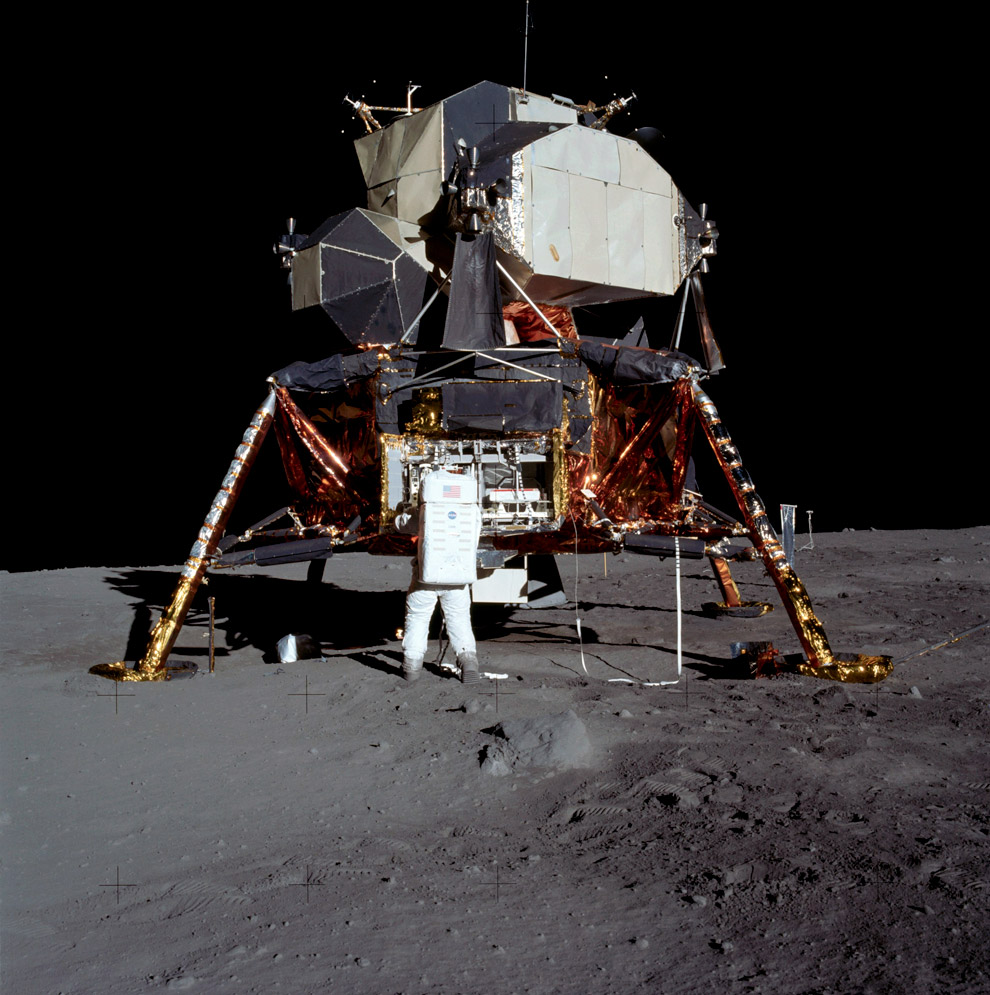 man-on-moon-aldrin_full.jpg