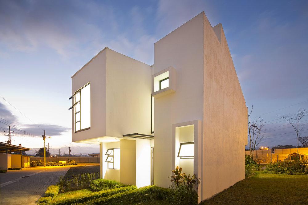 Condominio Lankester.  Paraíso, Cartago. 2014