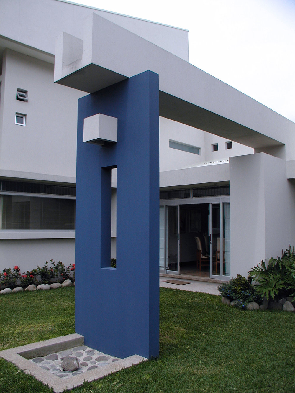 Casas MQ.  Curridabat, San José. 2004
