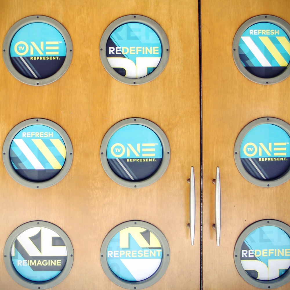 ONE porthole signage