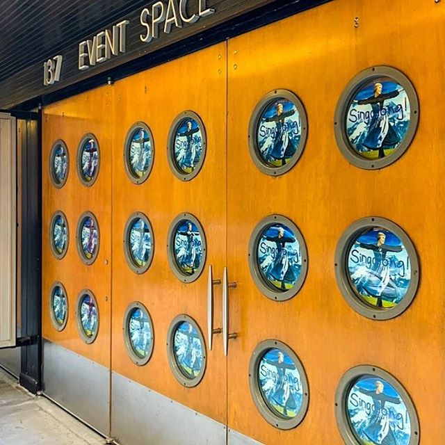 Porthole views ✨ feat. The Sound of Music! . . . . . #venue #architecture #design #branding #nyc #ny #newyorkcity #chelsea #soundofmusic #julieandrews #birthdayparty #rental #windows #portholewindow #pressevent #theater #eventspace #eventspacerental #party #privateevent #eventdesign #corporate #eventbranding #branding #launch #creativity #decals #26th #flatiron #newyorkviews
