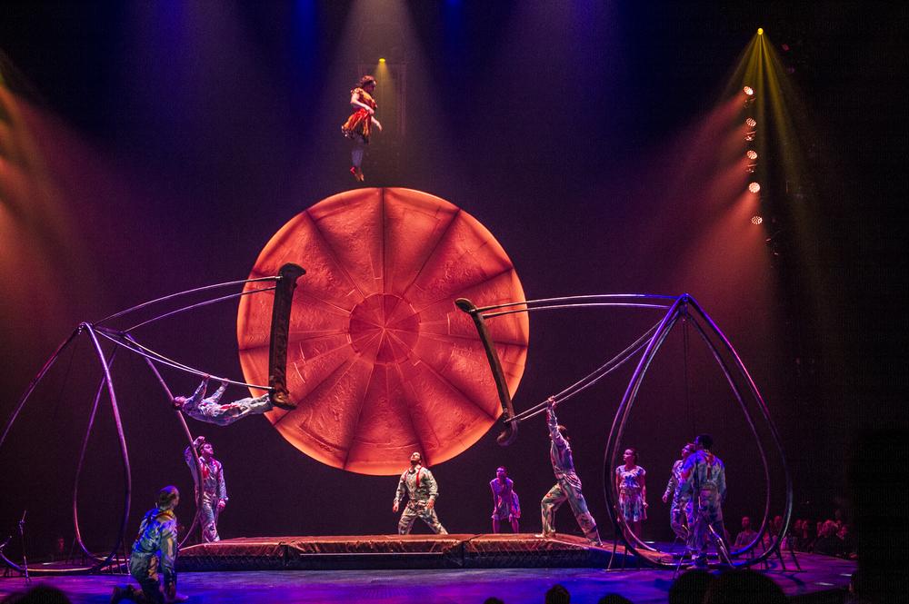 photo credit:Laurence Labat / Costumes: Giovanna Buzzi / 2016   Cirque du Soleil