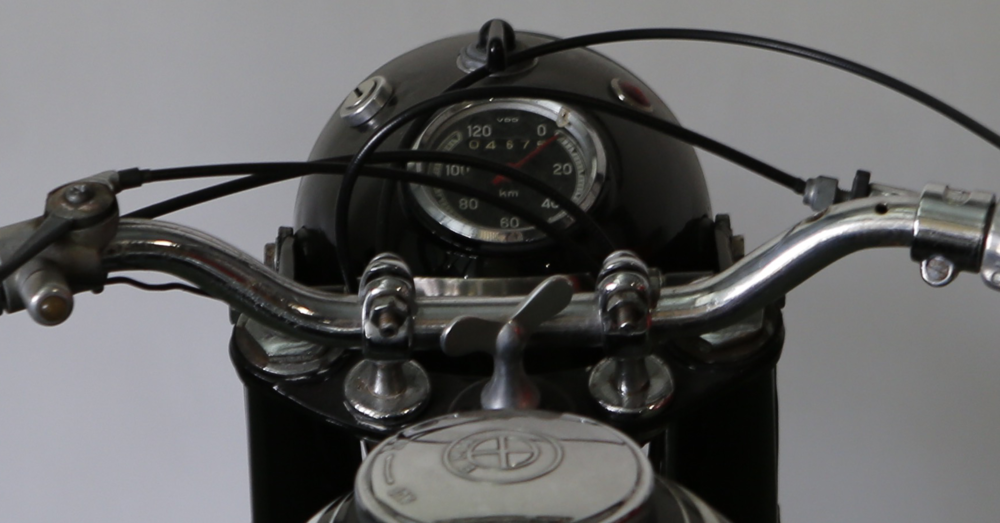 headlamp speedo, cropped, 8-18-15-1258a.png