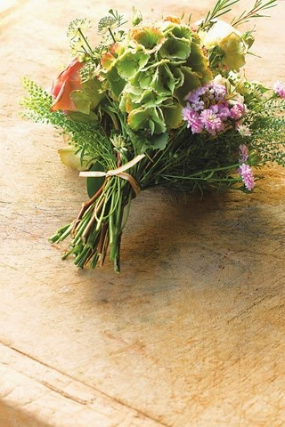 Step-3-Hand-tied-bunch-house-12may14_pr_b_320x480%255B1%255D.jpg