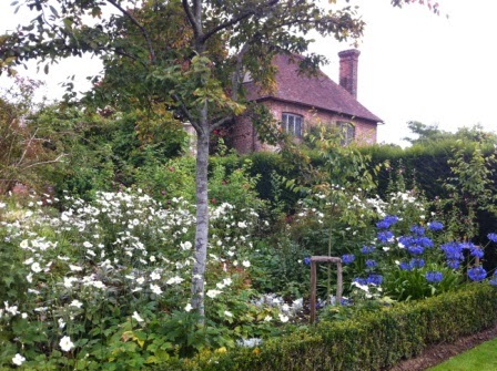sissinghurst-grounds.8.jpeg