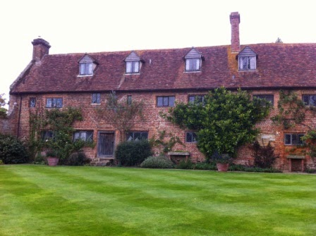 sissinghurst-grounds.12.jpeg