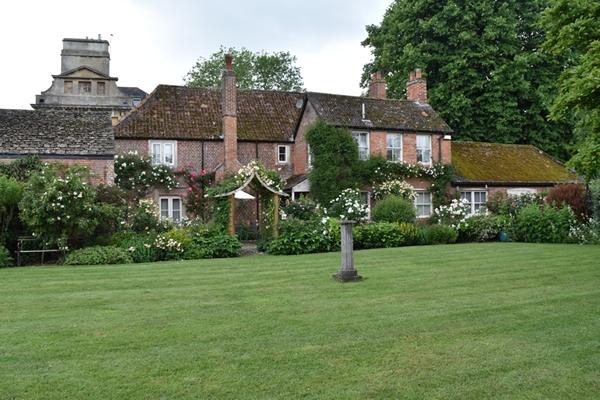 m_Cottage.jpg