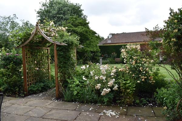 m_Cottage (2).jpg