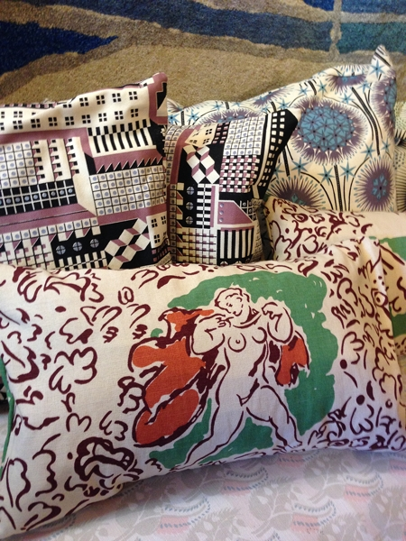 Love this West Wind fabric of the front cushion, designed by Duncan Grant