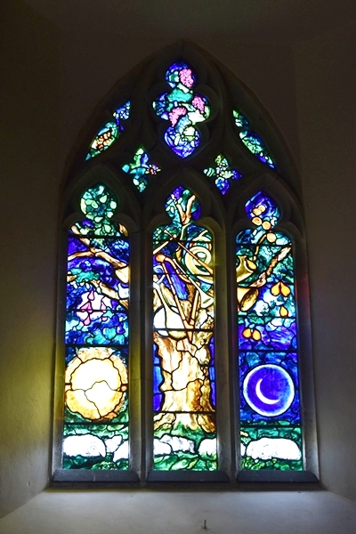 The John Piper window depicting the tree of life