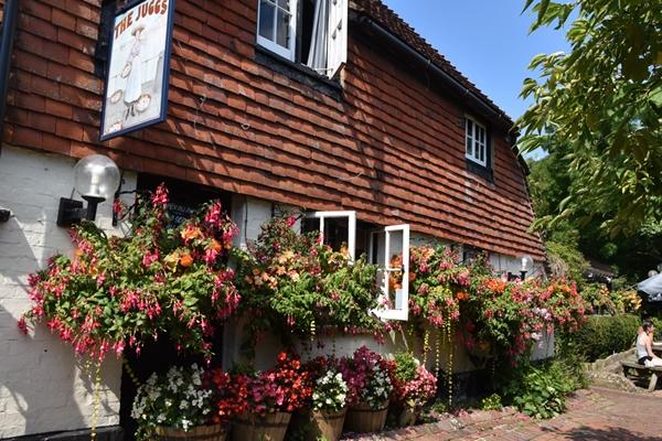 m_The Juggs Pub Kingston (3).jpg