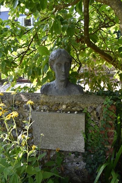 m_Garden - busts (3).jpg