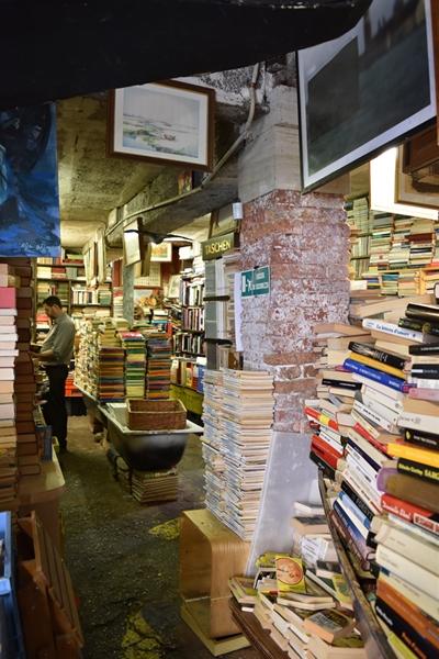 m_Bookshop (7).jpg