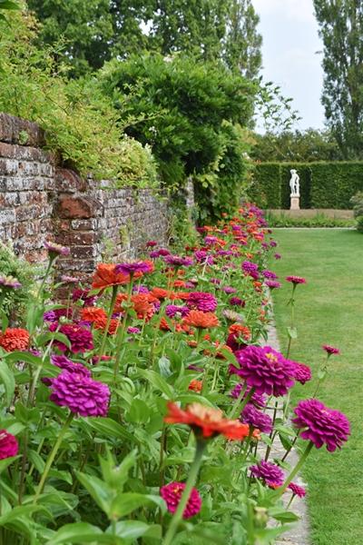 m_Walled garden (1).jpg