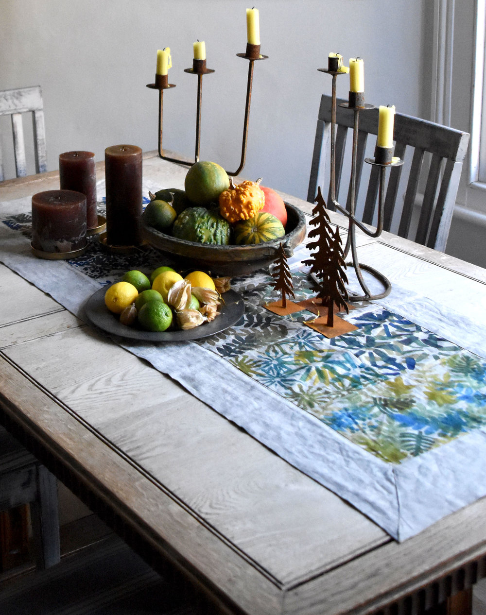 Autumnal table top styling