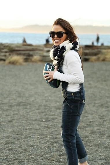 #mommymailbox #momentswithmoms #corirobinson #dresscorilynn #seahawks