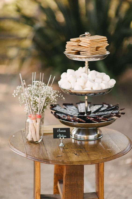 S'mores table