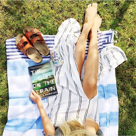 @dthompsy being fabulous in the turkish beach towel shipped last summer in our July Mommy Mailbox.