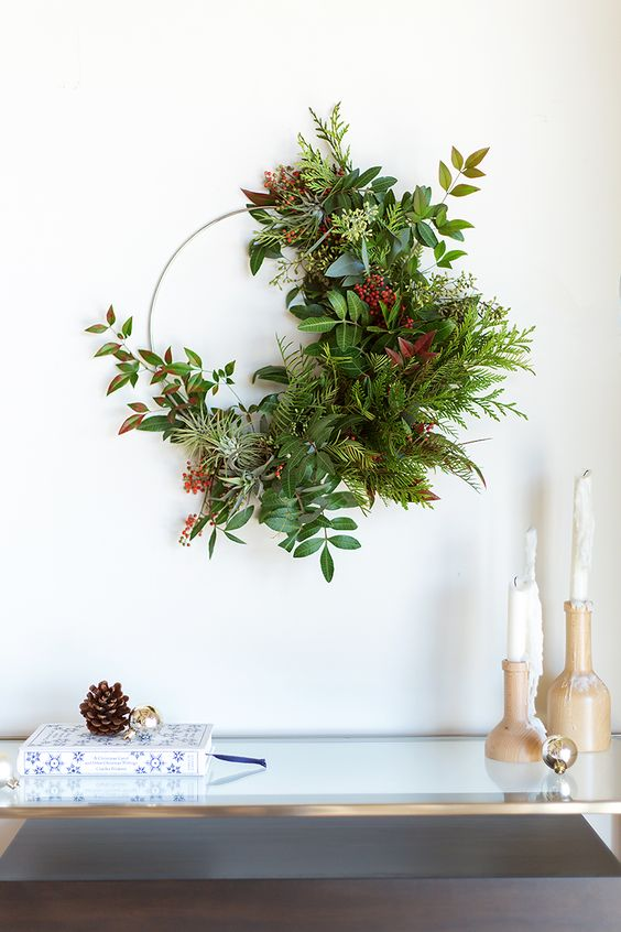 https://camillestyles.com/living/diy/diy-wreath-making/?slide=1